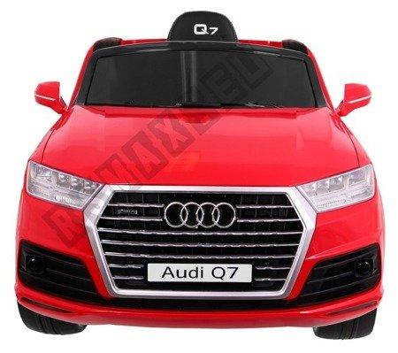 Auto auf Audi Q7  Batterie rot