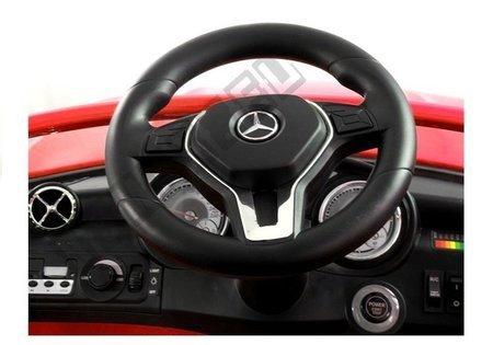 Mercedes Benz GLA 45 AMG Czerwony